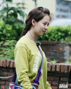 Song Ji Hyo filming We Are In Love in Taipei, April 2016. © on pic