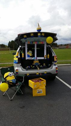 Minion trunk and treat