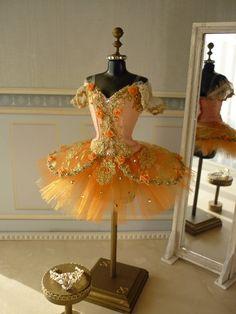 5032d4472 18 fantastiche immagini su costume da ballerina