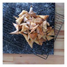 Sourdough Crackers and the art of recycling / Crackers alla pasta madre, o dell'arte di riciclare
