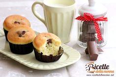 I muffin al cioccolato al latte sono ottimi per una prima colazione o una merenda sana. In più possono aiutarvi a smaltire le uova di Pasqua come tante altre ricette per riciclare il cioccolato. Nutella, Muffins, Breakfast, Recipes, Food, Haute Couture, Morning Coffee, Muffin, Recipies