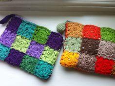 Granny square crochet purses Crochet Purses, Crochet Granny, Granny Squares, Crochet Projects, Knits, Crocheting, Purses And Bags, Totes, Blanket