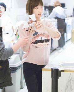 WEBSTA @ taeyeonstagram - 161223 Taeyeon - Sum Cafe-[#taeyeon #kimtaeyeon #snsd #girlsgeneration #태연 #김태연 #소녀시대 #TTS #TaeTiSeo #태티서 #TaeYeonStagram #태연스타그램 @taeyeon_ss @taeyeonstagram #少女時代 #TYsone #I #Rain #Why #1111