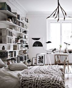Spacious and open floor plan - via Coco Lapine Design