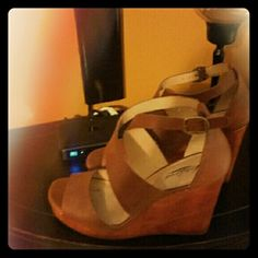 Brown Lucky wedge sandal in perfect condition. Worn only once Lucky Brand Shoes Sandals