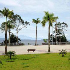 """Com a água limpa e a areia fofa, a Praia de Ponta Negra é a mais famosa de Manaus. Ponto de encontros de todas as tribos, a praia é o local ideal para encontrar os amigos, tomar banho de mar, apreciar o pôr-do-sol, fazer caminhada no calçadão, andar de bicicleta e assistir aos shows que...<br /><a class=""""more-link"""" href=""""https://catracalivre.com.br/manaus/rede/gratis/role-de-responsa-e-curtir-o-verao-na-praia-da-ponta-negra/"""">Continue lendo »</a>"""