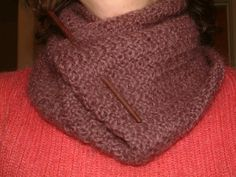 Free Knitting Pattern - Cowls and Neck Warmers: Textured Cowl