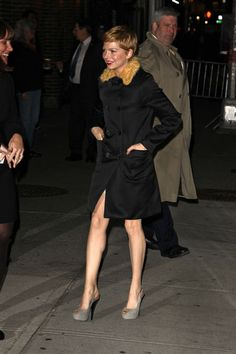 Michelle Williams Slingbacks - Michelle topped off her ensemble with gray…