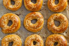 Bread Rolls, Doughnut, Food And Drink, Eat, Breakfast, Recipes, Bagels, Baking, Food Ideas