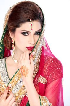 Pakistani bridal dresses including, Lengha dresses, gowns, Barat dresses and . Deepak Perwani Wedding wear collection 2014 is extremely fashionable. Bridal Dresses 2017, Pakistani Wedding Dresses, Dresses 2013, Lengha Dress, Sari, Indian Makeup And Jewelry, Wedding Trends, Wedding Styles, Braut Make-up