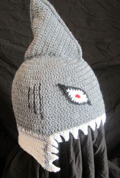 Gehäkelte Hai Mütze, sie sollte böse aussehen ;-)