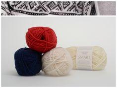 Marius med hvit mønster i garnet Smart  1002, 4109, 5575 #farger #fargekombinasjoner #garn #inspirasjon #marius