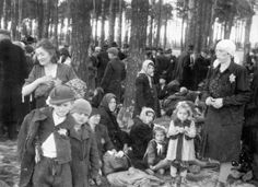 Auschwitz, the last stop before the gas chambers - from the Auschwitz Album