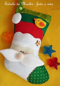 I really like the idea of this stocking but I would want to do it with nativity pieces to add to the true meaning of Christmas. Christmas Sewing, Christmas Embroidery, Christmas Love, Homemade Christmas, Xmas Crafts, Christmas Projects, Felt Crafts, Felt Christmas Decorations, Felt Christmas Ornaments