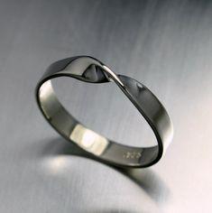 Rings Silver Ring, Mobius Ring, Infinity Ring, Sterling Silver Ring ON SALE Mobius Ring Twist Ring in Sterling Silver China Jewelry, 14k Gold Jewelry, Jewelry Rings, Craft Jewelry, Jewelry Making, Infinity Ring, Mobius Ring, Twist Ring, Engraved Rings