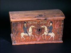 Painted Chest, Painted Boxes, Wooden Boxes, Norwegian Rosemaling, Norwegian Wood, Trunks And Chests, Blanket Chest, Coffer, Old Boxes