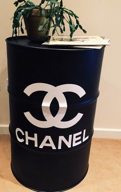 Chanel homemade table from oil drum interior looking good