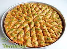 How To Make Baklava With Tricks (Eid Desserts) Chia Puding, Ramadan Desserts, Human Body Organs, Natural Fertility, Fiber Diet, Arabic Food, Iftar, Food Illustrations, Fun To Be One