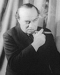 Franz Werfel, huyendo del Anschluss dejó Austria y se instaló en Los Ángeles (entonces casado con Alma Mahler), donde logró un singular éxito con su novela La Canción de Bernadette que fue convertida en una película en 1943 con Jennifer Jones como protagonista.
