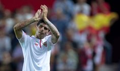 Manchester United to offer Ever Banega £3.5million-a-year