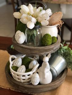 Wonderful Easter Decoration Ideas For Your Inspiration; Easter Table Decoration Ideas With Egg And Bunny; Diy Osterschmuck, Easy Diy, Easter Egg Designs, Easter Ideas, Tray Styling, Diy Easter Decorations, Easter Centerpiece, Table Decorations, Tiered Stand