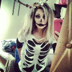 Last Minute Homemade Sister Skeletons Halloween Costumes #halloween #skeleton