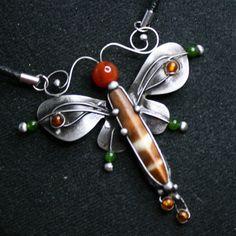 Motýl (osten mořské ježovky, karneol, jadeit) – Potvor - pomáhat tvořit