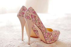 high heel, floral, pink hued shoes #highheels #floralshoes