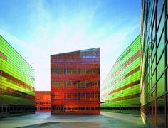 ChameleonLAB BV. - Material - Iridescent foil facade system
