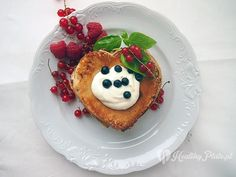 pancakes with fruit / panqueques con fruta