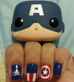 Check these out verano nails! Marvel Nails, Avengers Nails, Nail Art Diy, Easy Nail Art, Cool Nail Art, Fancy Nails, Pretty Nails, Captain America Nails, Superhero Nails