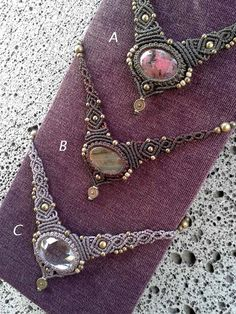 This necklace is entirely handmade macrame knots combining different handcrafted with precision and quality.  It is available in 2 colors: A- Stone: Rhodonite. Color thread: Army green. Stone size: 30 x 18 mm B- Stone: labradorite. Color thread: Dark Brown. Stone size: 30 x 18 mm  We use Brazilian 1st quality yarn , wax string are ideal for creating jewelry because it is waterproof and feels very organic when comes into contact with the skin.This is the best material for this work. We…