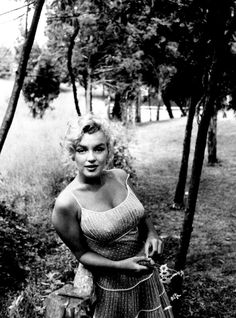 Image uploaded by Marilyn, dear. Find images and videos about black and white, Marilyn Monroe and marilyn on We Heart It - the app to get lost in what you love. Brigitte Bardot, Classic Hollywood, Old Hollywood, Hollywood Stars, Hollywood Hills, Hollywood Actresses, Fotos Marilyn Monroe, Marilyn Monroe Dresses, Norma Jean Marilyn Monroe