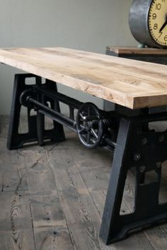 Table de salle manger industrielle extensible salle a manger pinterest tables table for Grande table industrielle