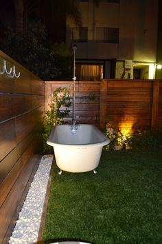 Venice Beach house rental - the outdoor tub at night