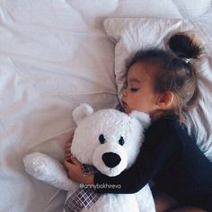 Babygirl Napping With Her Teddy Bear - Baby Photos Contest So Cute Baby, Baby Kind, Cute Kids, Cute Babies, Baby Baby, Little Babies, Little Ones, Little Girls, Kind Photo