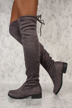 From natural to effectively beautiful, try out on-trend mid-calf shoes with these exclusive designs and styles you will definitely absolutely adore. Black Ankle Boots Outfit, Over The Knee Boot Outfit, Thigh High Boots Heels, Sexy Boots, Calf Boots, Ladies Wellies, Winter Boots Outfits, Outfit Winter, High Heel Stiefel