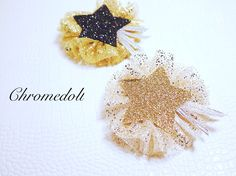 Hair accessories with golden color glitter mesh.