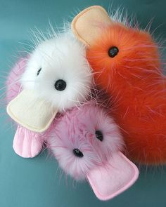 Crazy Duck Pattern - PDF by designer Raggy Dolls. - via This would make such a cute easter basket stuffer. Plushie Patterns, Animal Sewing Patterns, Craft Patterns, Sewing Stuffed Animals, Cute Stuffed Animals, Stuffed Animal Patterns, Duck Crafts, Animal Crafts, Sewing Toys