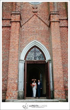 Vaida + Donatas | Vestuves Raudones Pilyje | Wedding in Raudone Castle|Jurgita Lukos Photography old brick #church