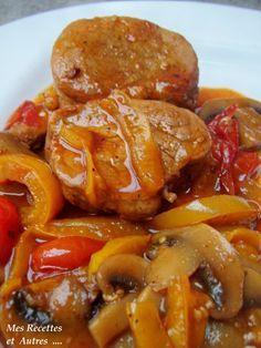 Un plat bien réconfortant et pleins de saveurs …. Ingrédients : un filet mignon 200g de champignons 2 tomates 1 poivron (ici jaune) 1 oignon 10cl de madère 1cs de paprika 1 cube de bouillon de volaille 1cs de farine sel, poivre huile d'olive et beurre...