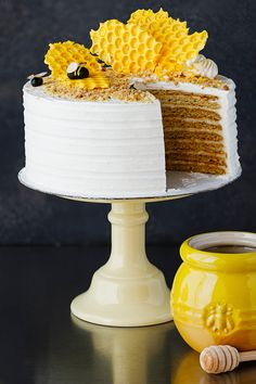 Honey Almond Cake – Amoretti Chocolate Almond Cake, Almond Cakes, Bee Cakes, Cupcake Cakes, Cupcakes, Canned Frosting, Frosting Recipes, Bee Birthday Cake, Russian Honey Cake