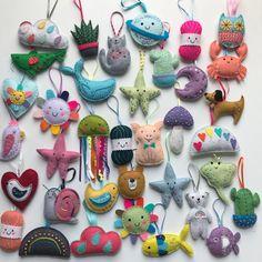Yarn Crafts For Kids, Cute Crafts, Preschool Crafts, Arts And Crafts, Felt Ornaments Patterns, Felt Gifts, Mini Craft, Felt Garland, Felt Decorations