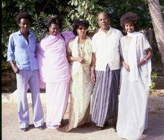 vintagesomalia:The eighties. Somalia. Beautiful people, beautiful weather. Time…