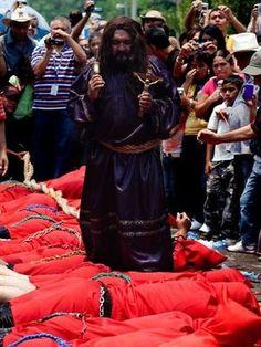 Viaje pelo mundo e descubra tradições esquisitas para a Páscoa http://aguriadourada.blogspot.com.br/2012/03/viaje-pelo-mundo-e-descubra-tradicoes.html