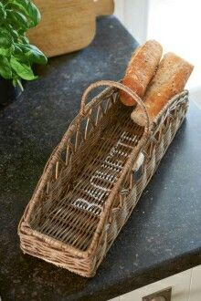Rustic Rattan Baguette Basket - Various kitchen and eating utensils - Eating utensils - Crockery and Cutlery - All items - Collection Newspaper Basket, Newspaper Crafts, Wicker Tray, Rattan Basket, Willow Weaving, Basket Weaving, Cosy Kitchen, Paper Weaving, Food Wallpaper