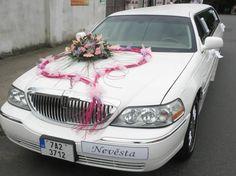 svatební auta - Hledat Googlem Wedding Car Decorations, Wedding Themes, Wedding Cakes, Dream Wedding, Car Wedding, Wedding Bouquets, Wedding Planning, Marriage, Car Decorating
