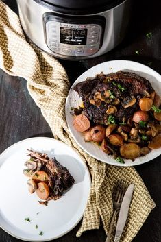 Beefy, delicious with ton of vegetables, this Low Carb Instant Pot Pot Roast boasts the perfect meal for a lazy Sunday dinner.(im told radishes taste like potatoes when cooked! Pressure Cooker Pot Roast, Pressure Cooker Recipes, Carne Asada, Super Healthy Recipes, Easy Healthy Dinners, Weeknight Dinners, Pot Roast Recipes, Beef Recipes, Fast Recipes