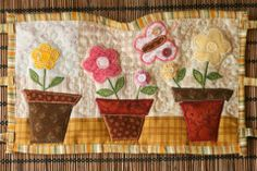 Szilvi foltvarró blogja: Teafőző kabát tutorial Quilts, Blanket, Blog, Scrappy Quilts, Quilt Sets, Blogging, Blankets, Log Cabin Quilts, Cover
