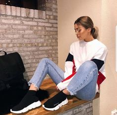 How to get Balenciaga Speed Trainers Mid Black White Balenciaga Sneakers Outfit Balenciaga Black Mid Speed Trainers White Mode Outfits, Trendy Outfits, Fall Outfits, Summer Outfits, Dinner Outfits, Outfit Winter, Girly Outfits, White Balenciaga, Balenciaga Shoes